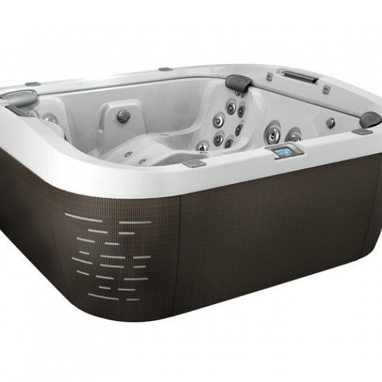 J-575 Luxury Lounge Seating Centerpiece Hot Tub