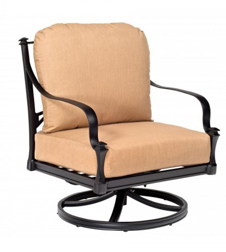 Isla rocking lounge chair