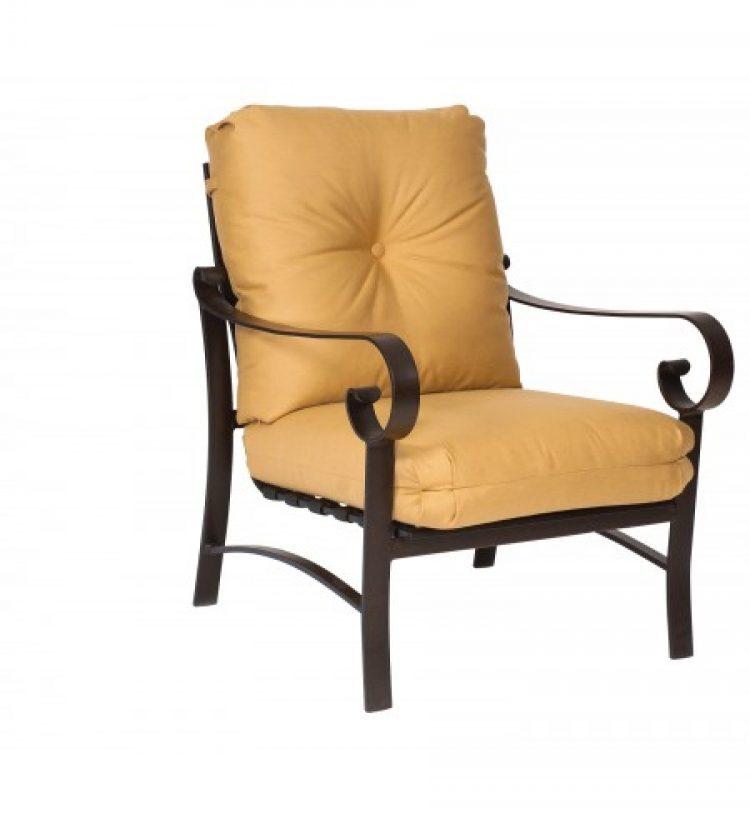 beldon_690406 cushion stat lounge