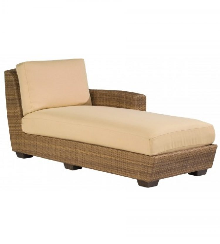 saddleback right arm facing chaise lounge sectional