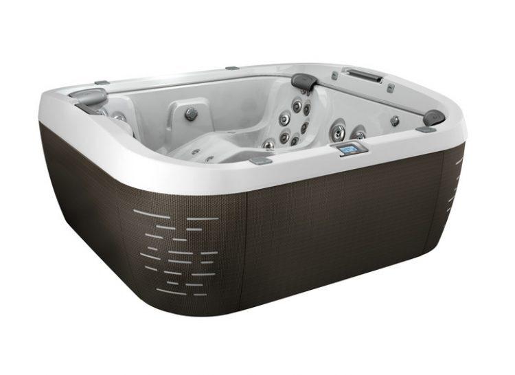 "J-575â""¢ Luxury Lounge Seating Centerpiece Hot Tub 1"